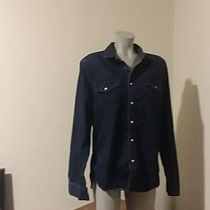 Women med jean jacket by H&M